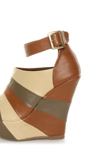 Bamboo Smooch 26 Chestnut Multi Shootie Platform Wedges