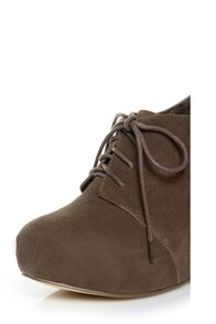 Chelsea Crew Escalate Taupe Suede Oxford Wedges