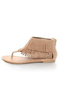 City Classified Cesar Camel Fringe Cuffed Thong Sandals at Lulus.com!