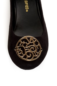 City Classified Quant Black Medallion Ballet Flats at Lulus.com!