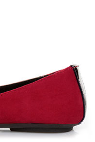 City Classified Yaku Lipstick Red and Black Cap-Toe Ballet Flats at Lulus.com!