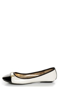 City Classified Yappy Off White and Black Patent Cap-Toe Flats