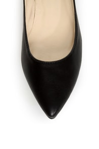 C Label Hudson 11 Black and Tawny Snake Two Tone Pointed Flats at Lulus.com!