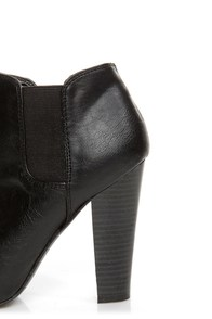 Madden Girl Zelouss Black High Heel Ankle Boots at Lulus.com!