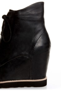 Matiko Cooper Black Leather Lace-Up Wedge Sneakers at Lulus.com!