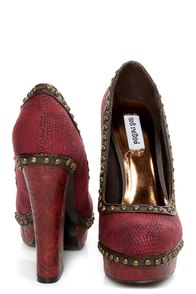 Not Rated Georgia Red Textured and Studded Platform Heels at Lulus.com!