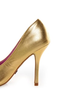 Promise Ivana Gold Metallic Pointed Pumps at Lulus.com!