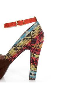 Pink & Pepper Leilla Brown Multi Southwest Print Platform Heels at Lulus.com!