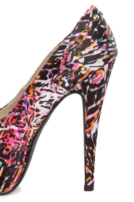 Qupid Penelope 58 Fuchsia Multi Print Studded Platform Pumps at Lulus.com!