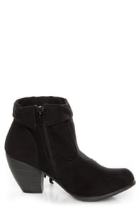 Qupid Priority 21 Black Suede Fringe Ankle Boots at Lulus.com!