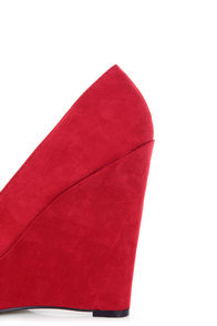 Qupid Worthy 01X Red Suede Platform Wedges at Lulus.com!
