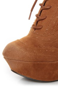 Qupid Worthy 27 Rust Oil Finish Lace-Up Oxford Wedges at Lulus.com!