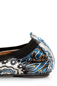 Rebels Pandora Black Scarf Print Cap-Toe Ballet Flats at Lulus.com!