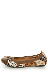 Rebels Pandora Tan Scarf Print Cap-Toe Ballet Flats at Lulus.com!