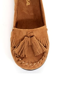 Soda Brook British Tan Kiltie Moccasin Flats at Lulus.com!