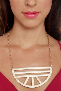 Mezaluna Gold Statement Necklace at Lulus.com!