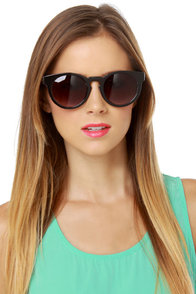 Behind the Scenes Black Sunglasses at Lulus.com!