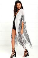 Exotic Sol Black and Grey Print Kimono Top 3