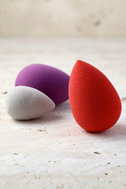 Beautyblender Royal Purple Makeup Sponge 2