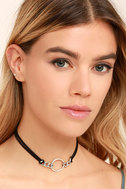 Reunion of the Heart Black and Silver Choker Necklace 2