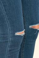 Amuse Society Iconic Medium Wash Distressed Skinny Jeans 6