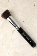 Sigma F80 Flat Kabuki Makeup Brush 1