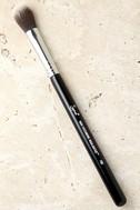 Sigma F03 High Cheekbone Highlighter Makeup Brush 1