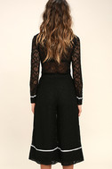 Style Guide Black Lace Culottes 3