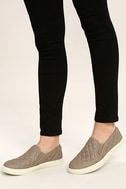 Steve Madden Ecentrcq Grey Quilted Slip-On Sneakers 2