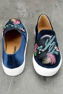 Dirty Laundry Jiana Blue Velvet Embroidered Slip-On Sneakers 3