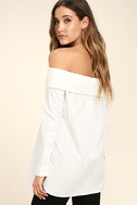 Chelsea Off-White Off-the-Shoulder Long Sleeve Top 3