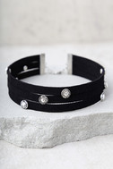 Ceremonious Silver and Black Layered Choker Necklace 2