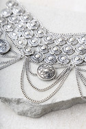 Feast for the Eyes Silver Choker Necklace 2