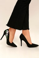 Circe Black Embroidered Pointed Pumps 1
