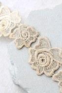 Curio Light Beige Lace Choker Necklace 2