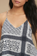 Energetic Blue and White Print Crop Top 5