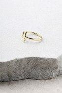 Shashi Lynda Gold Ring 2
