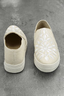 Seychelles Sunshine Natural Canvas Embroidered Slip-On Sneakers 3
