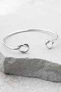 Do the Twist Silver Bracelet 1