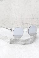 Livin' Easy Silver Mirrored Sunglasses 2