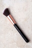 M.O.T.D Cosmetics Get Cheeky With It Blush Brush 1