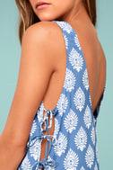 Lucy Love Daiquiri Blue and White Print Dress 4