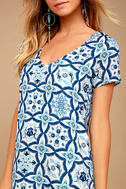 Mood Mosaic Blue and White Print Shift Dress 4