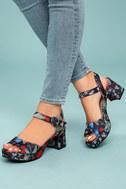 CL By Laundry Kensie Navy Brocade Platform Heels 4
