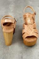 Sbicca Bianco Tan Leather Platform Heels 3