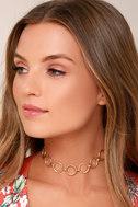 Loopsy Daisy Gold Choker Necklace 1