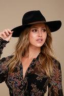 200540003: black- florentine hat 1