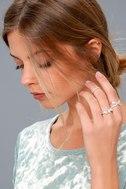 Chic Contrast Silver Rhinestone Ring Set 1