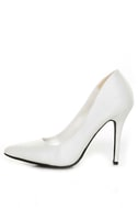 Anne Michelle Momentum 06 White Pointy Toe Pumps