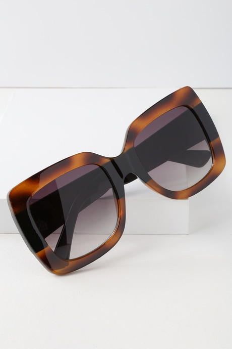 Vanguard Tortoise and Black Oversized Sunglasses